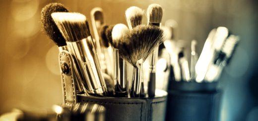 makeup-1289325_1920